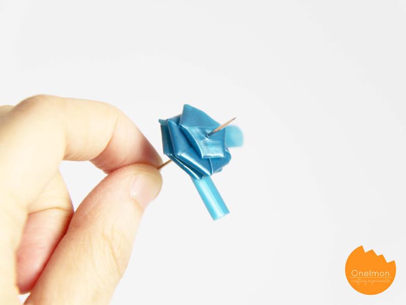 DIY Tutorial: Straw Flowers | onelmon