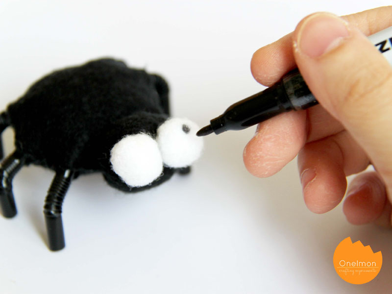 DIY Tutorial: Felt Spider | onelmon