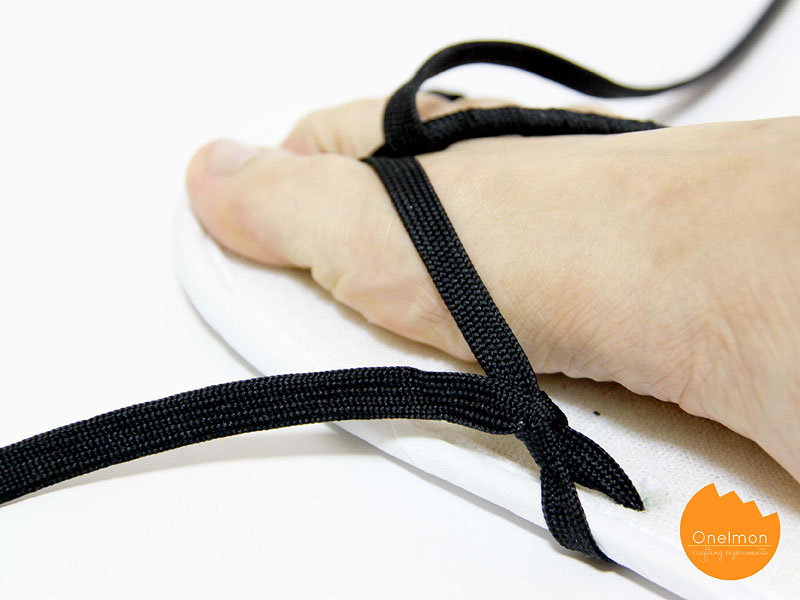 DIY Tutorial: Shoelace Flip Flop | @onelmon