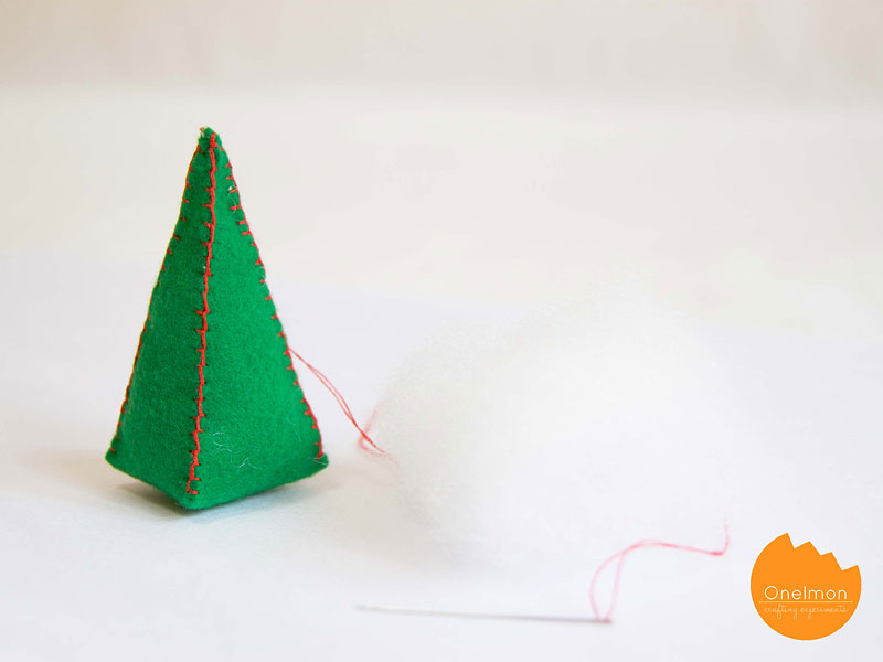 DIY Tutorial: Mini Christmas Tree | @onelmon