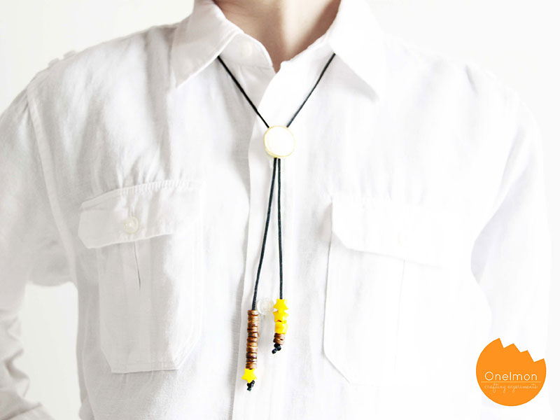 DIY Tutorial: Bead Button Necklace | @onelmon