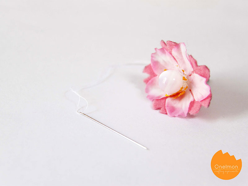 DIY Tutorial: Spring Bookmark | @onelmon