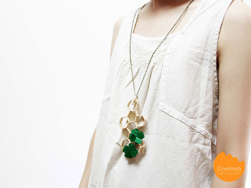 DIY Tutorial: Make a hexagon pendant from ice cream sticks | @onelmon