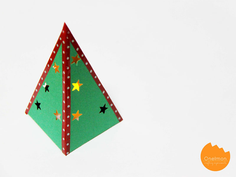 DIY Tutorial: Mini Paper Christmas Tree | @onelmon